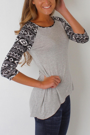 Light Grey Fashion Round Neck T-shirt In Digital Pattern