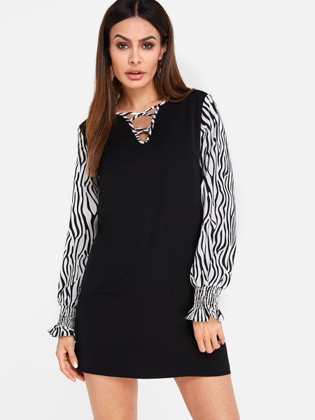 Black Criss-cross Zebra Pattern Long Sleeves Mini Dress