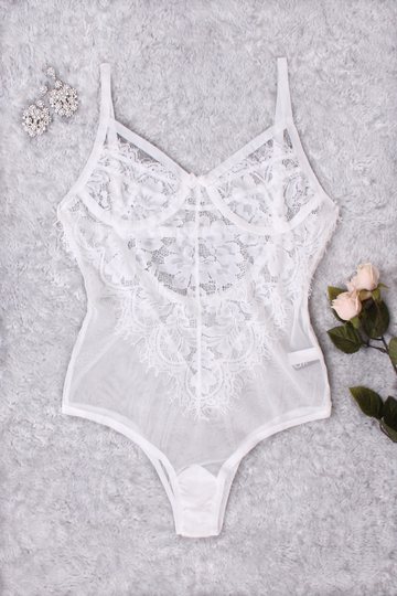 White Lace Bodycon Teddy with No Falsies