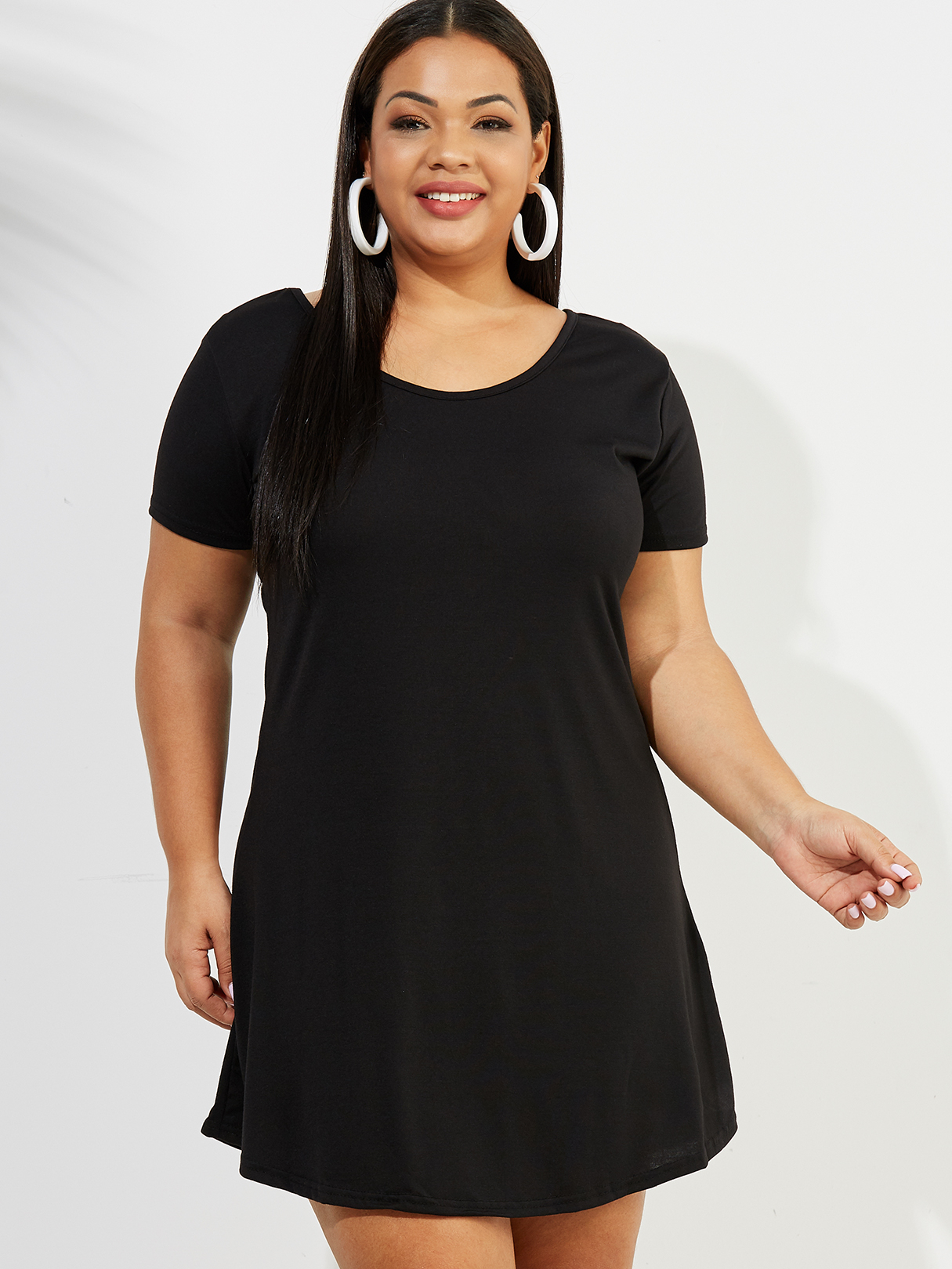 Plus Size Black Round Neck Short Sleeves Dress