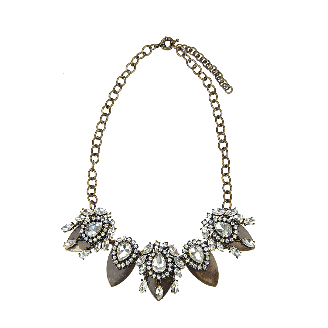 Leaf Pendant Necklace with Diamond Embellishment