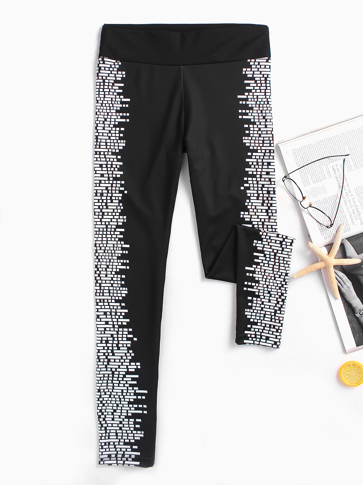 Image of Active Black-White Printed High Waist Leggings