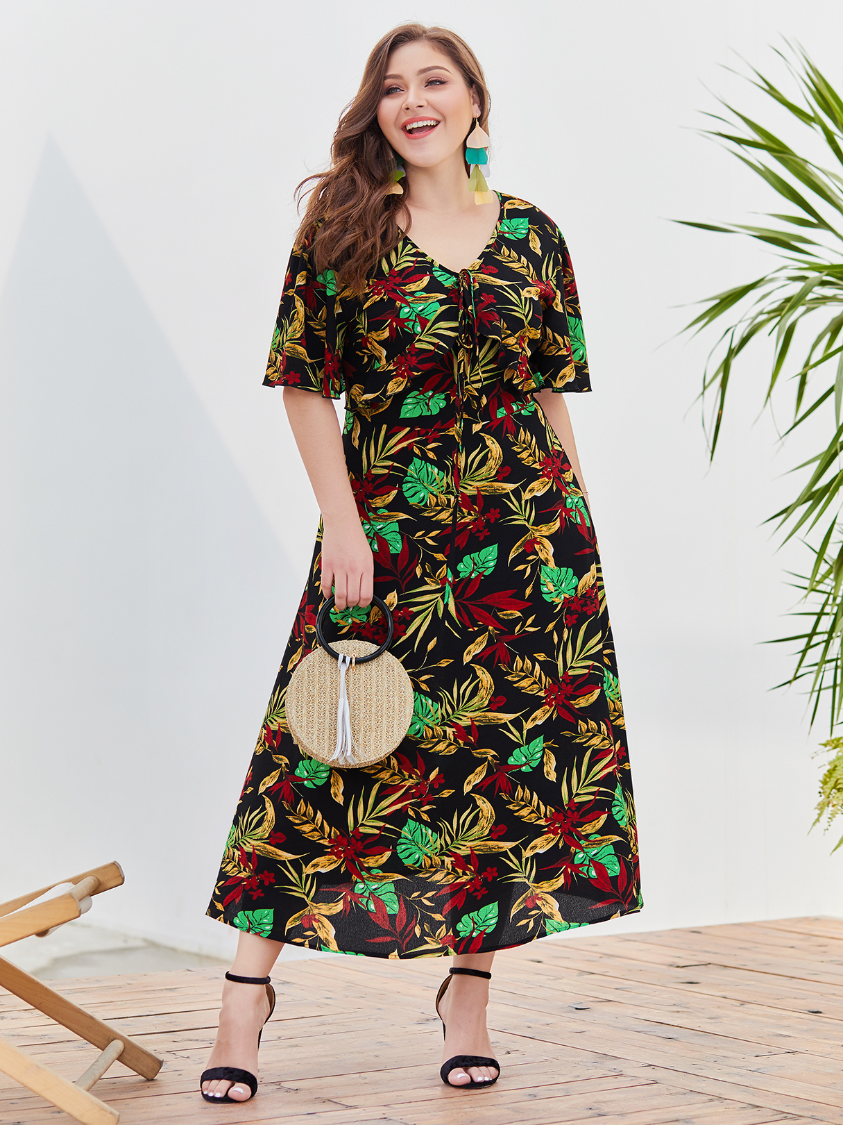 Plus Size Black Split Design Random Tropical Print V-neck Dress PLUS SIZE Noir DRESSES xl|xxl|3xl|4xl Yoins