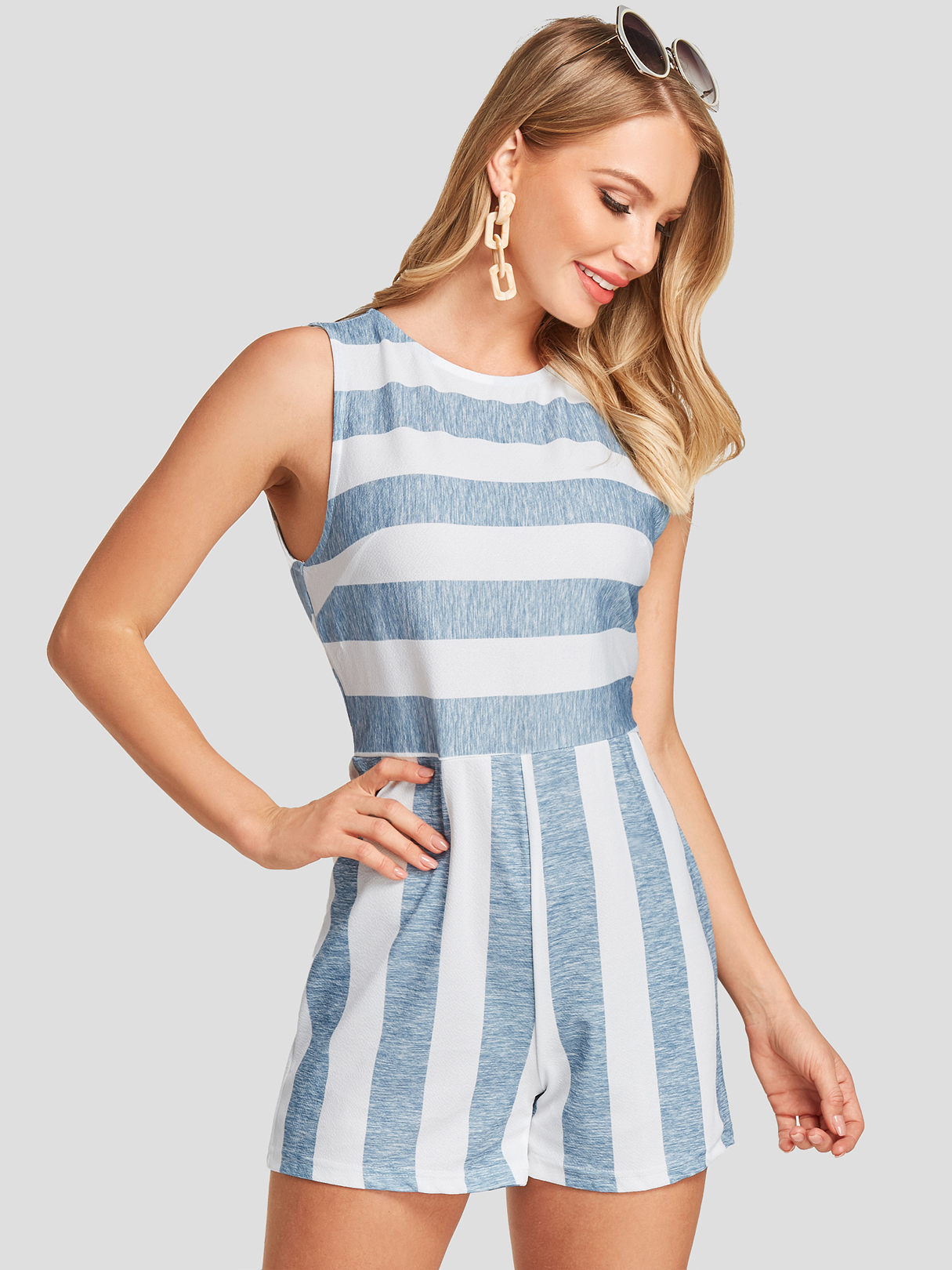 Color Block Stripe Backless Design Round Neck Sleeveless Loose Waist Playsuit, Multi