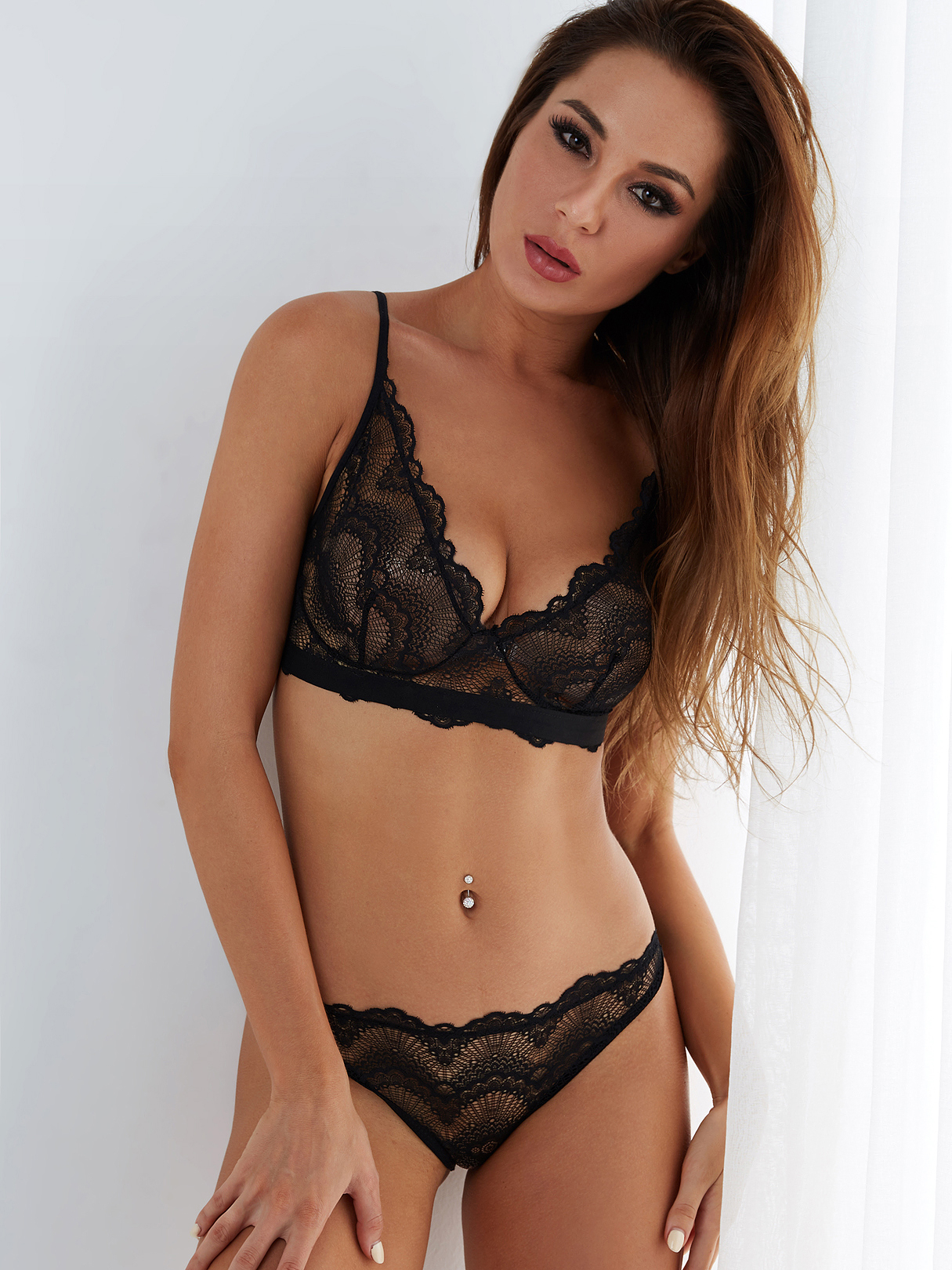 Black V-neck Sector Design Lace Sexy Lingerie Set