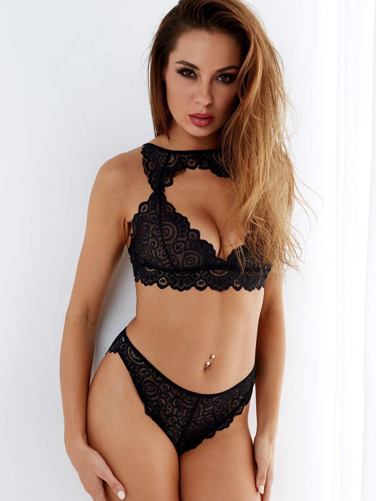 Black Lace Hollow Out Chest High-waisted Lingerie Set