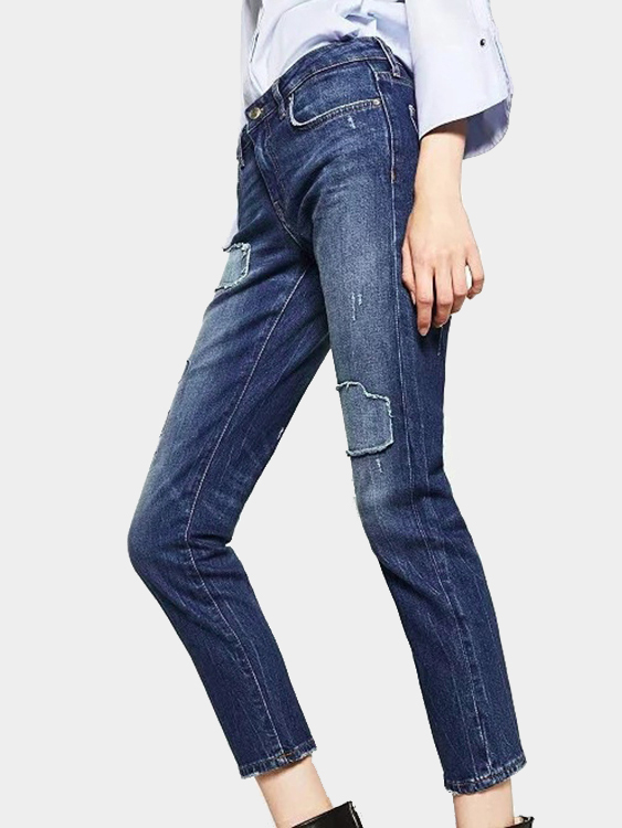 Middle-waisted Jeans with Ripped Details